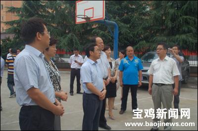上官吉庆在检查文教卫生系统工作时强调:推进文教卫生改革 建设社会事业关天副中心