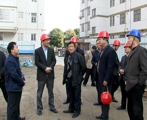 扶风县委书记周宇松在城关街道调研